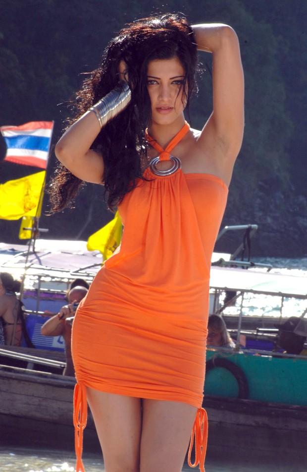 சுருதி ஹாசன் (Sruthi Haasan @ Beach Spicy Stills) Sruthi16