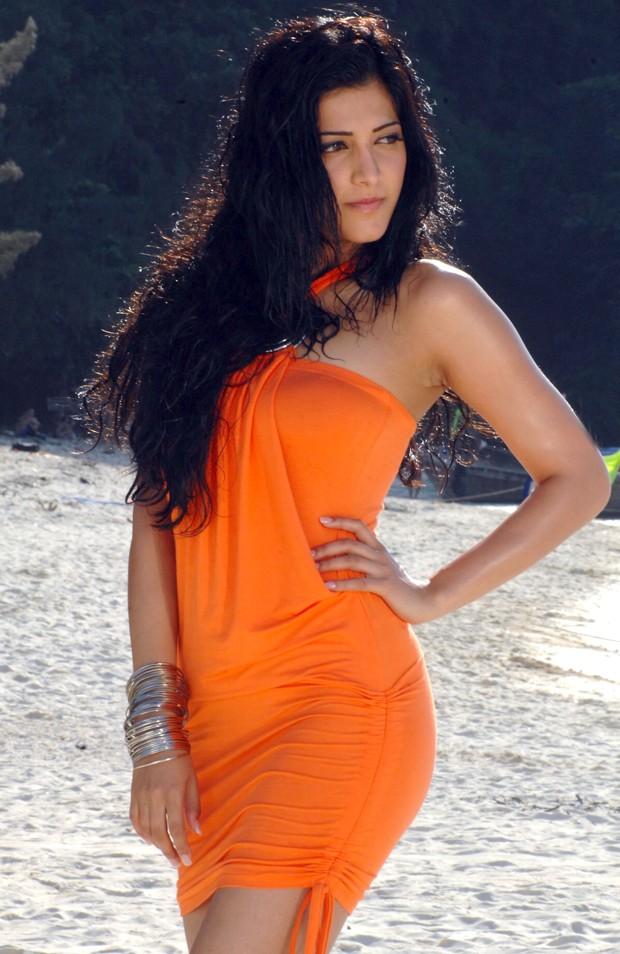 சுருதி ஹாசன் (Sruthi Haasan @ Beach Spicy Stills) Sruthi17