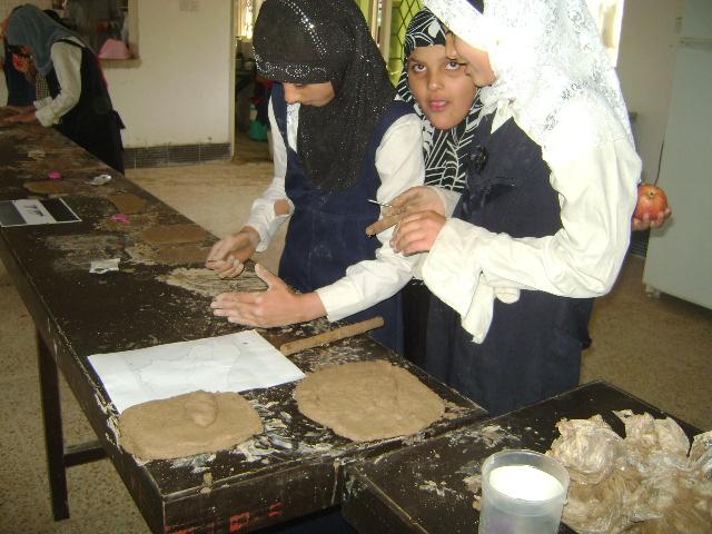 دوره فن النحت على الطين Dsc01217