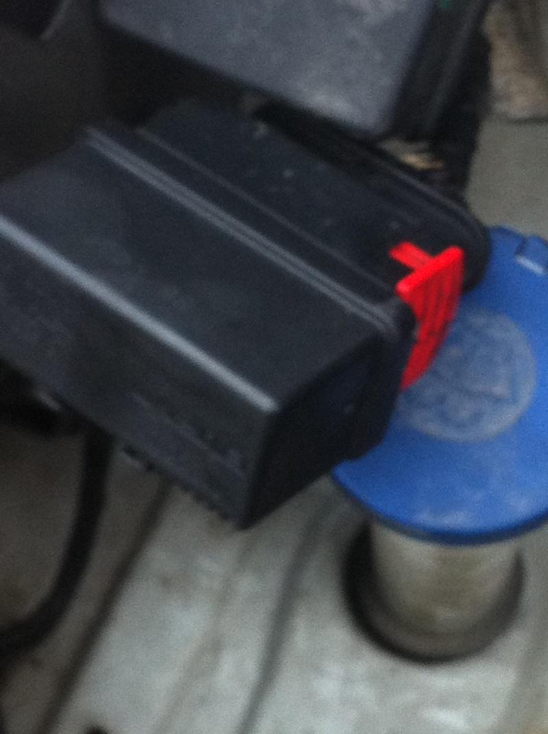 [ FIAT SCUDO 1.9 D an 2005 ] problème relais double 240107 Img_0910