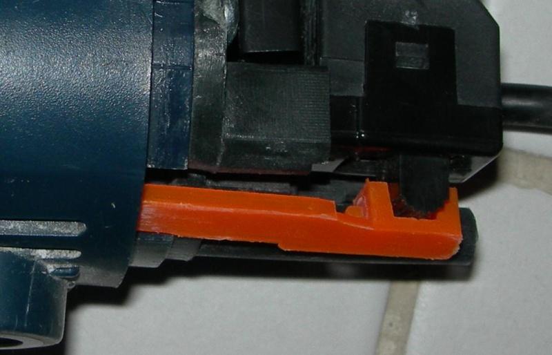 réparation d'une meuleuse-cherche interrupteur Le_pko10
