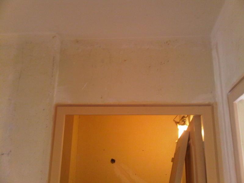 installer une porte coulissante probleme de mur. Black Bedroom Furniture Sets. Home Design Ideas