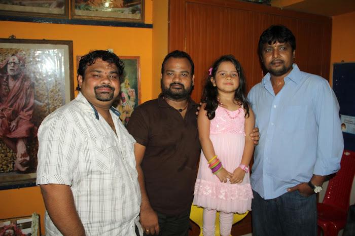 Nirnayam Movie Launch Pooja Stills Nirnay12