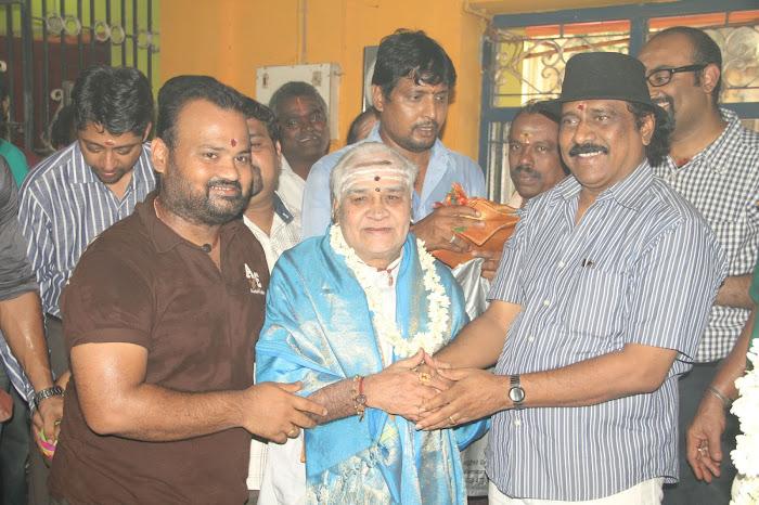 Nirnayam Movie Launch Pooja Stills Nirnay16