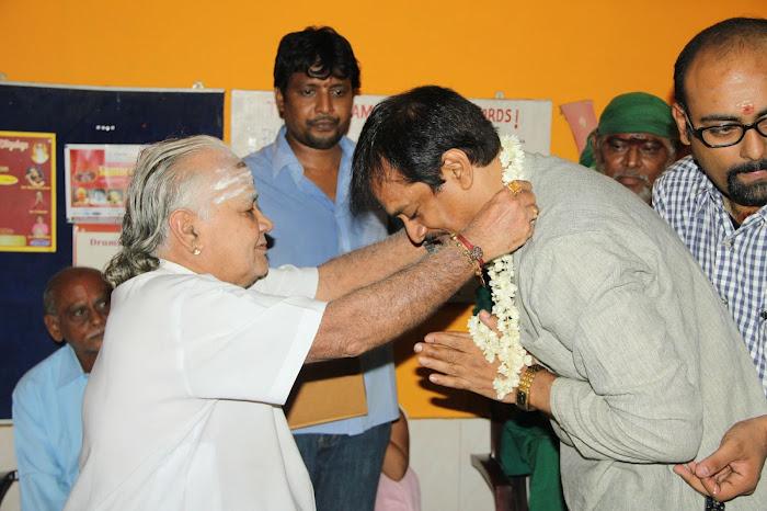 Nirnayam Movie Launch Pooja Stills Nirnay21