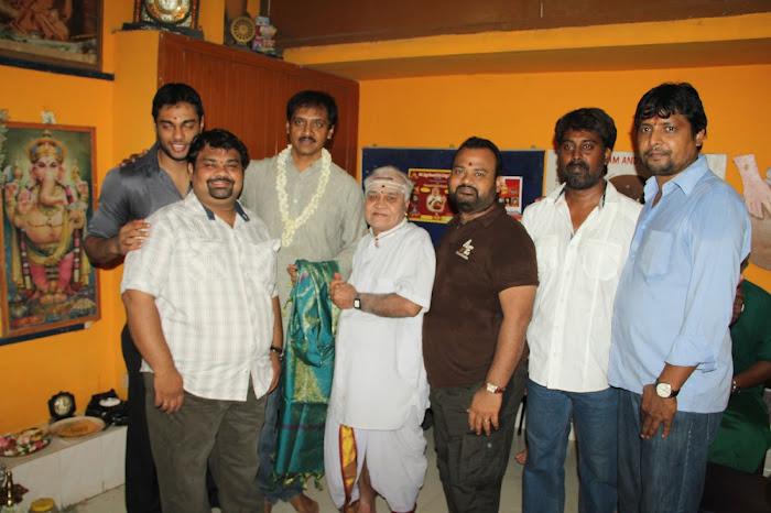 Nirnayam Movie Launch Pooja Stills Nirnay23