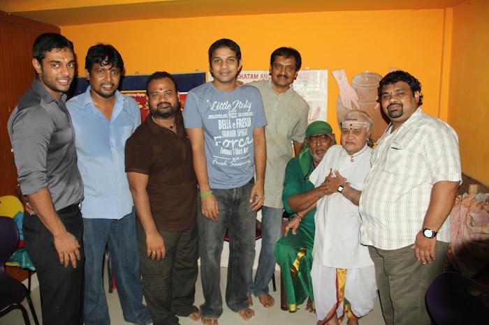 Nirnayam Movie Launch Pooja Stills Nirnay25