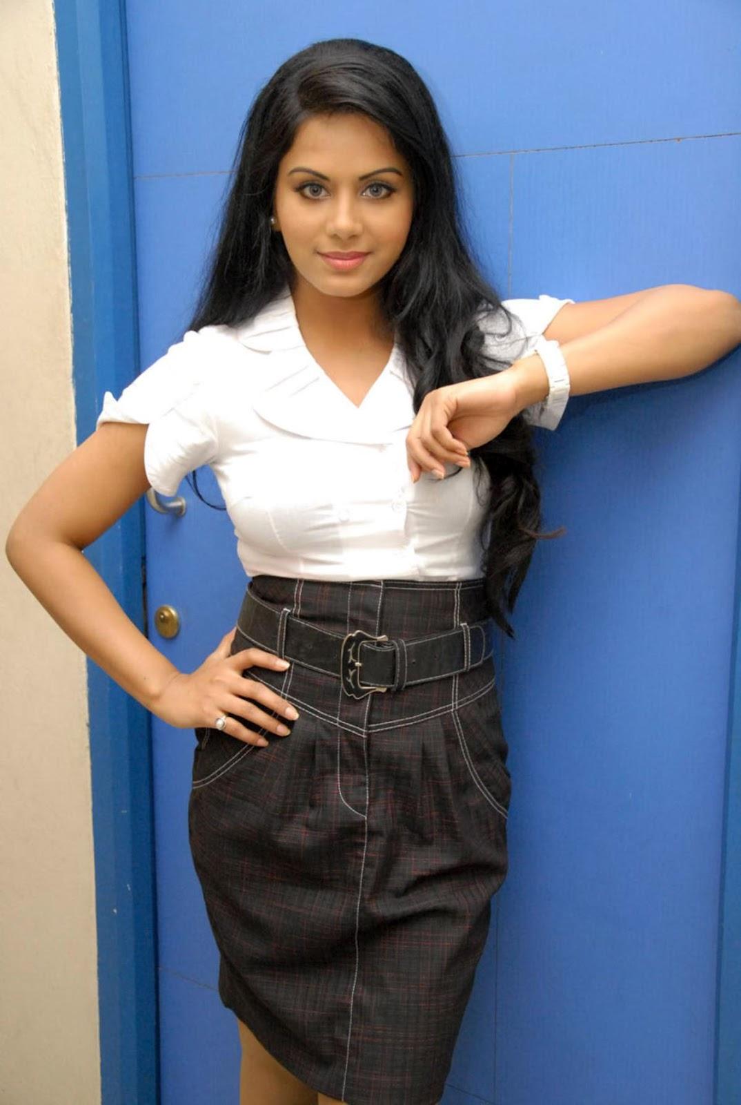 ரக்ஷனா மௌரியா | RACHANA MOURYA Rachan11