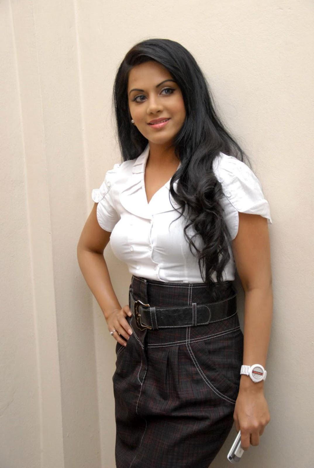 ரக்ஷனா மௌரியா | RACHANA MOURYA Rachan12