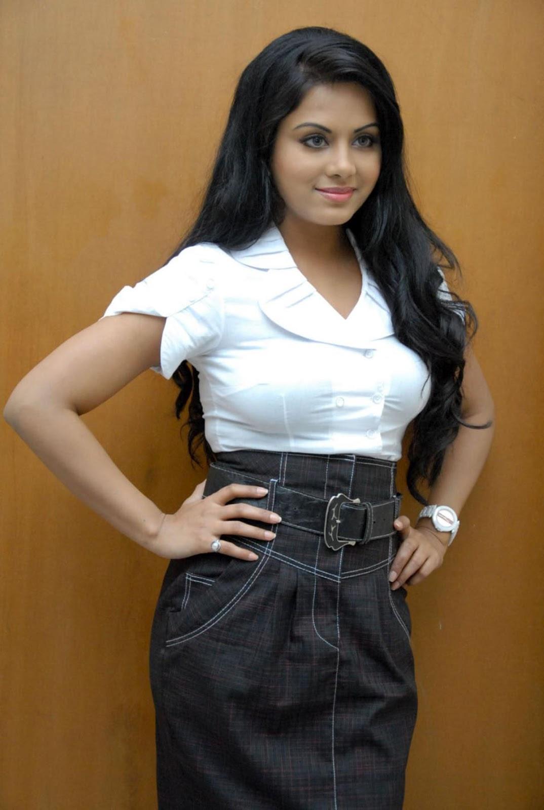 ரக்ஷனா மௌரியா | RACHANA MOURYA Rachan13