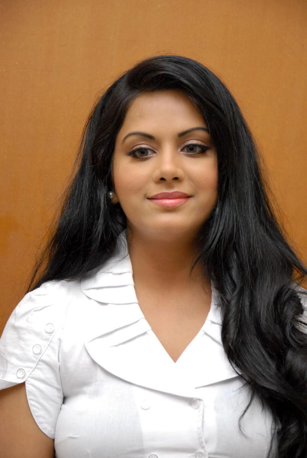 ரக்ஷனா மௌரியா | RACHANA MOURYA Rachan14
