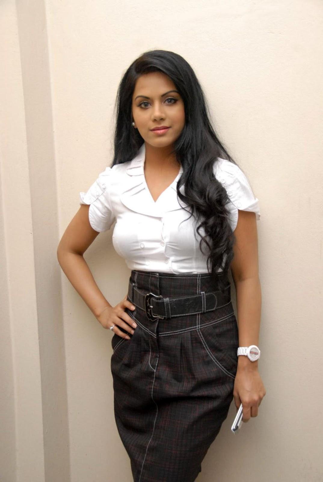 ரக்ஷனா மௌரியா | RACHANA MOURYA Rachan15