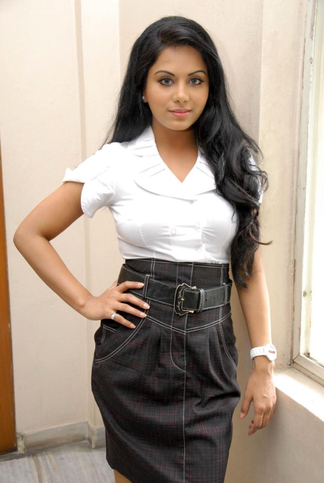 ரக்ஷனா மௌரியா | RACHANA MOURYA Rachan17