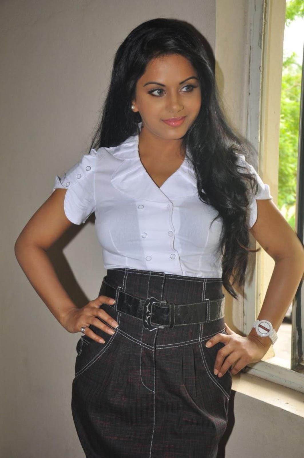 ரக்ஷனா மௌரியா | RACHANA MOURYA Rachan19