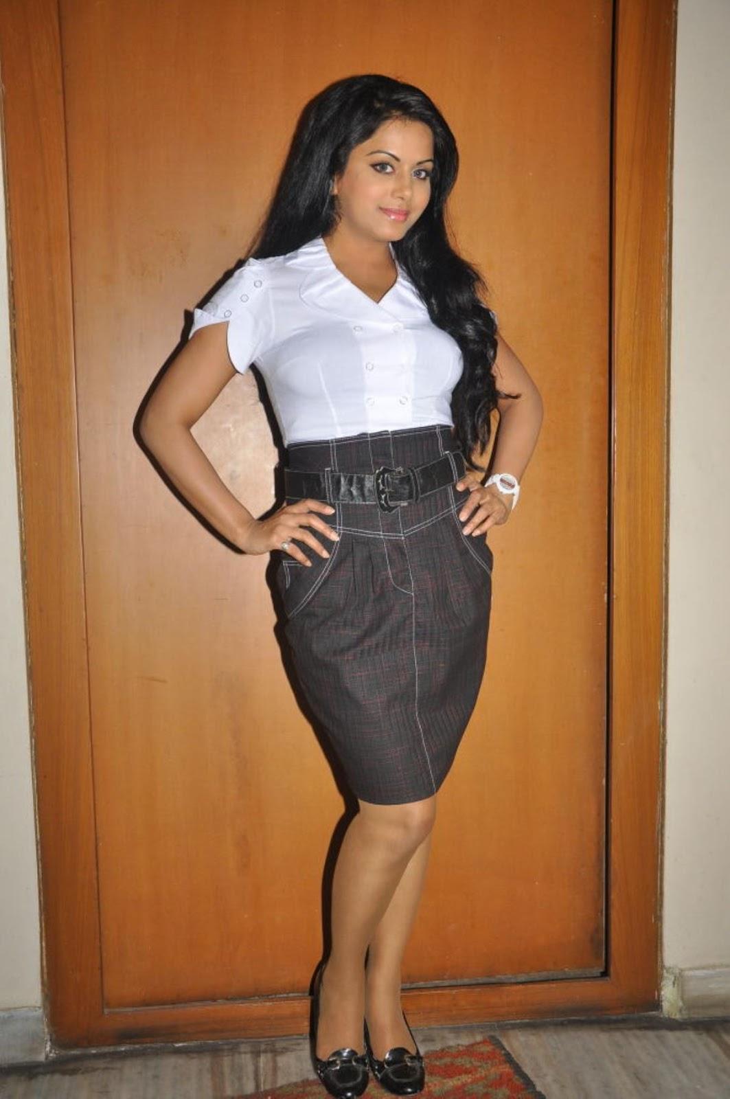 ரக்ஷனா மௌரியா | RACHANA MOURYA Rachan20