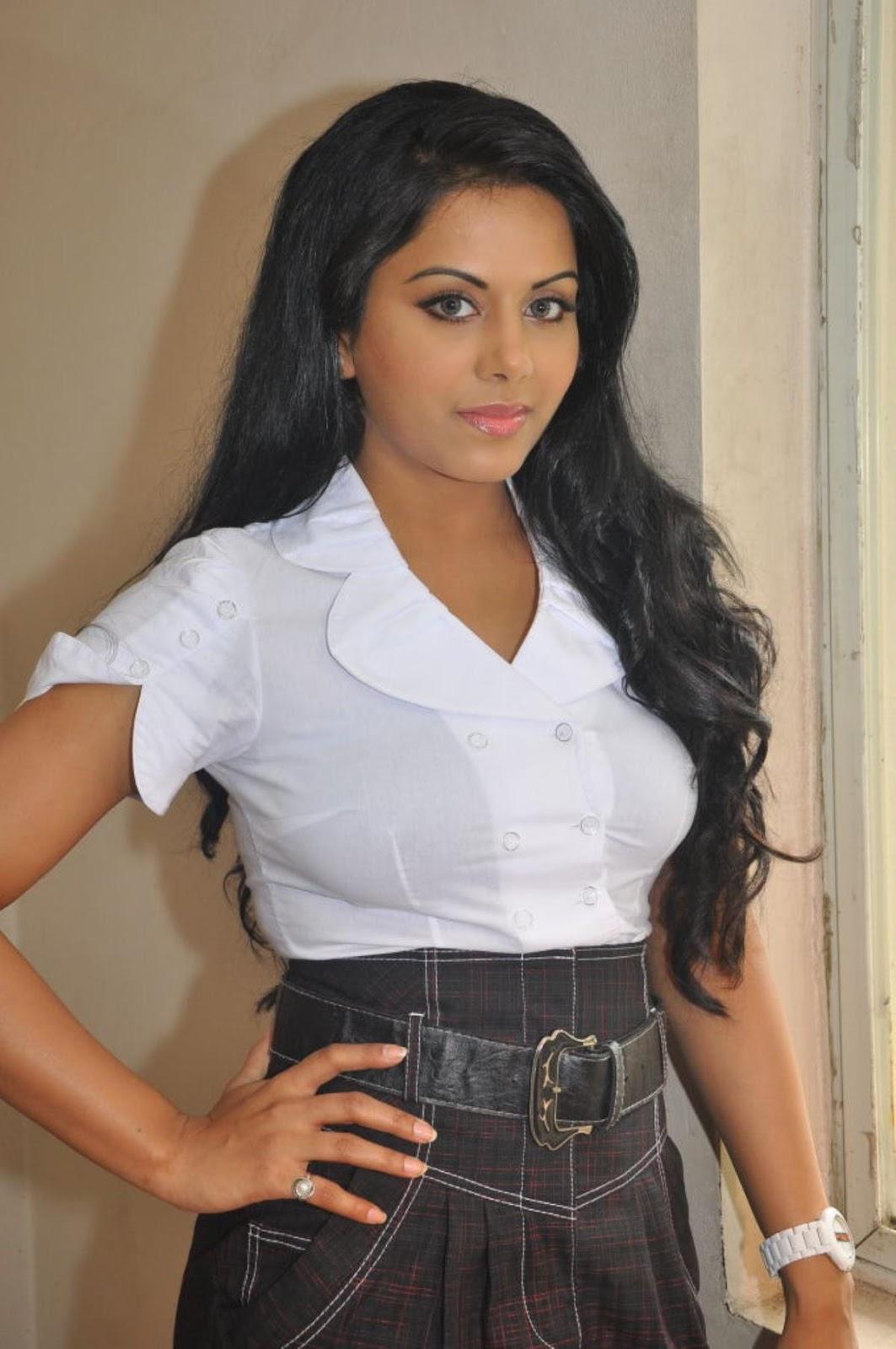ரக்ஷனா மௌரியா | RACHANA MOURYA Rachan21