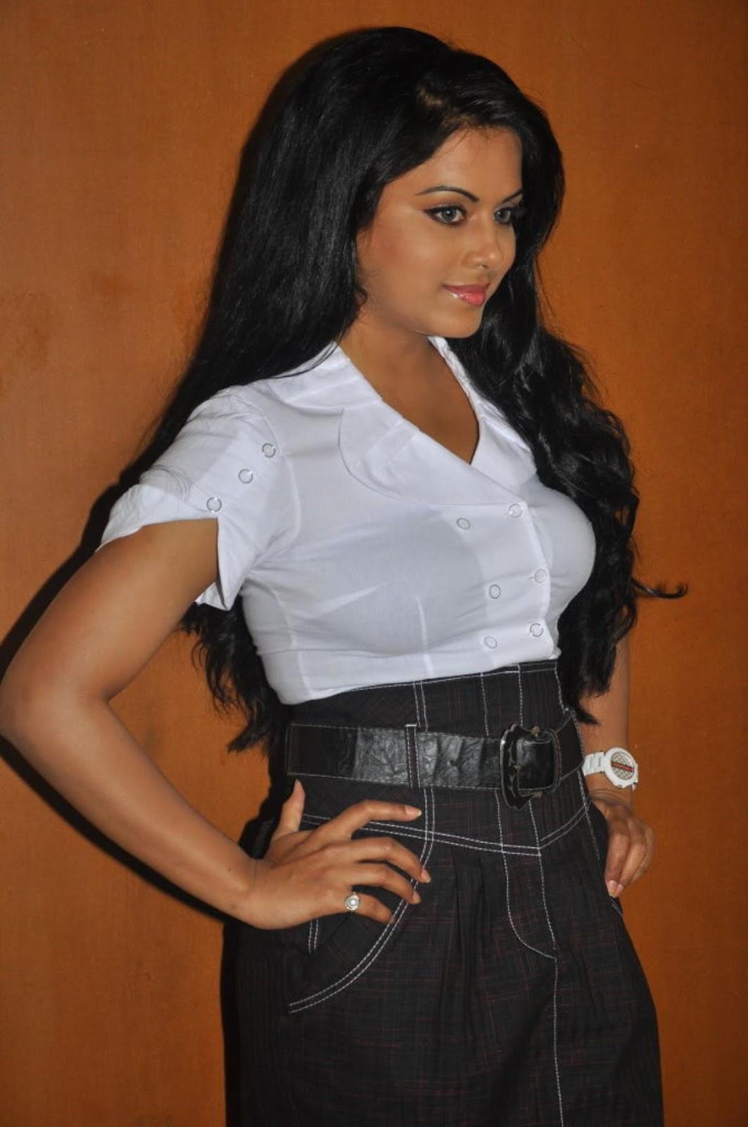 ரக்ஷனா மௌரியா | RACHANA MOURYA Rachan22