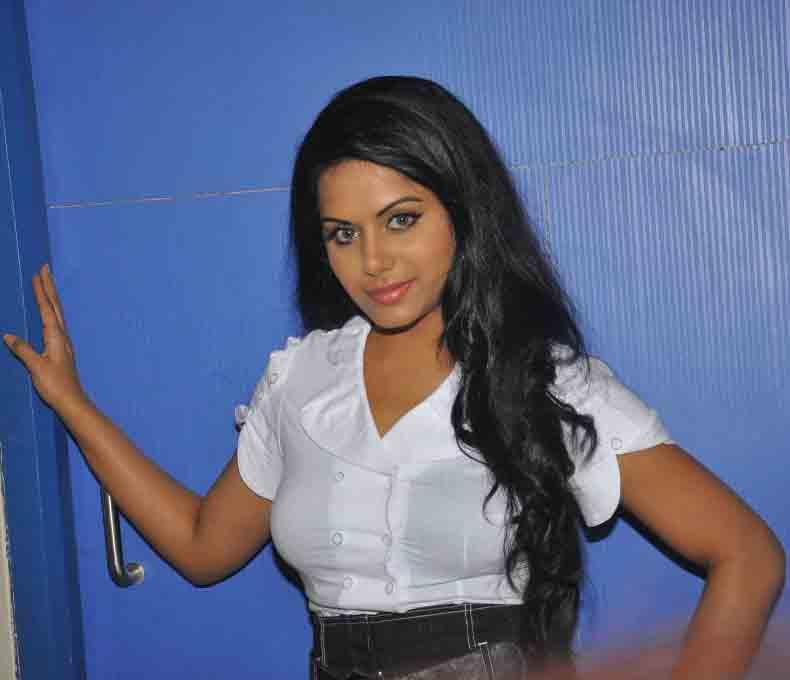 ரக்ஷனா மௌரியா | RACHANA MOURYA Rachan25