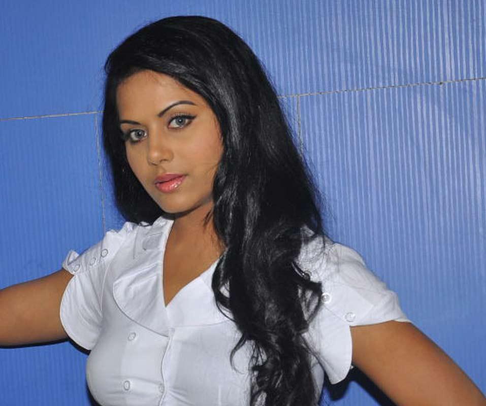 ரக்ஷனா மௌரியா | RACHANA MOURYA Rachan26