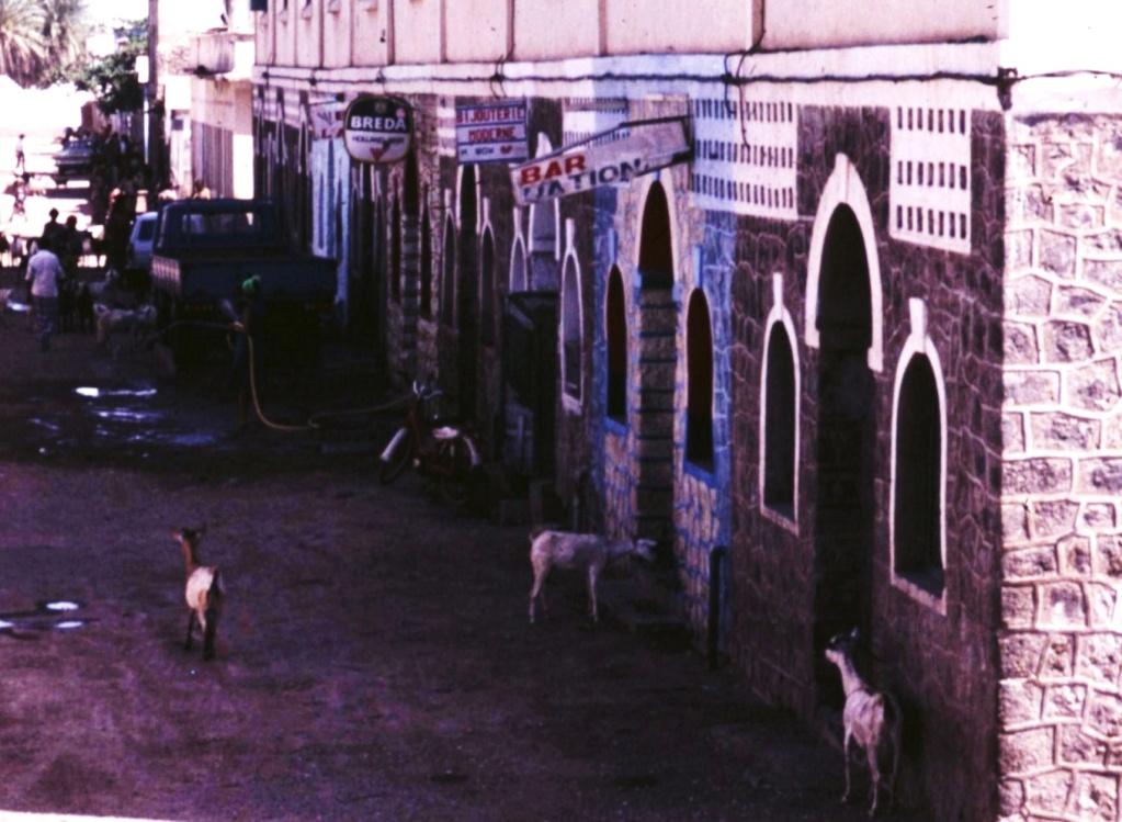 DJIBOUTI - LES BARS - Page 6 Trans121