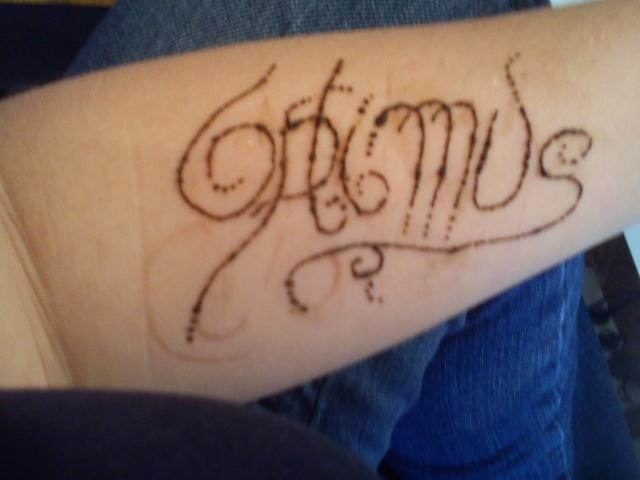 Partagez en image de cool Tatouages (+ vos tatouages) - Page 2 Dsc00111
