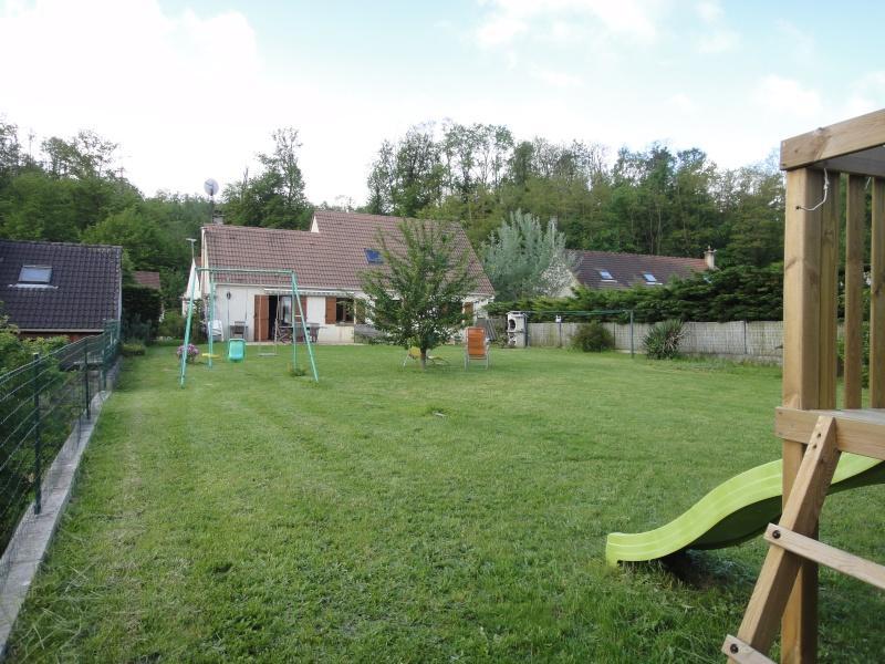 Grand jardin à aménager d'entretien facile... Jardin11