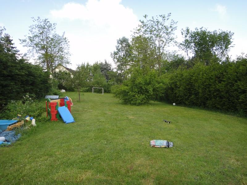 Grand jardin à aménager d'entretien facile... Jardin13