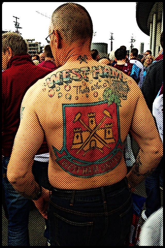 photo de tatoo de west-ham - Page 3 55350310