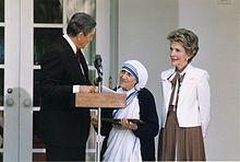 Mère Teresa de Calcutta 220px-10