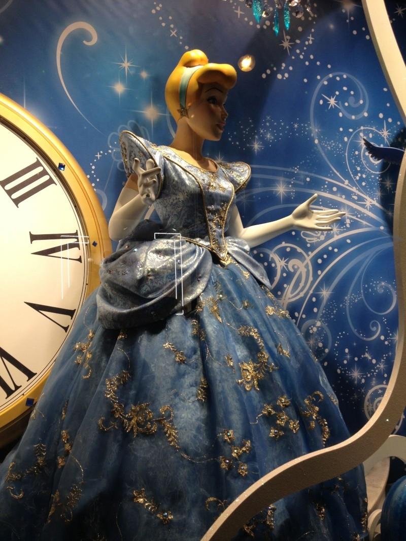 Disney pop up store aux galeries lafayette (du 5/11/2012 au 5/01/2013 ) - Page 5 Img_0916