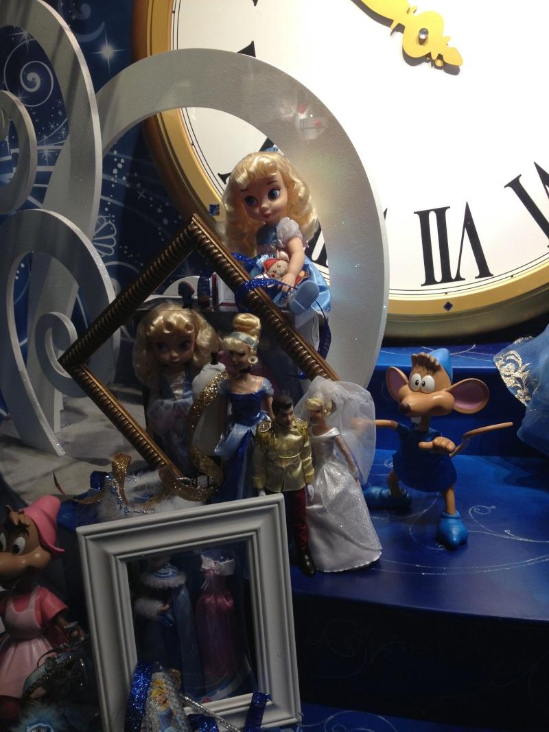 Disney pop up store aux galeries lafayette (du 5/11/2012 au 5/01/2013 ) - Page 5 Img_0917