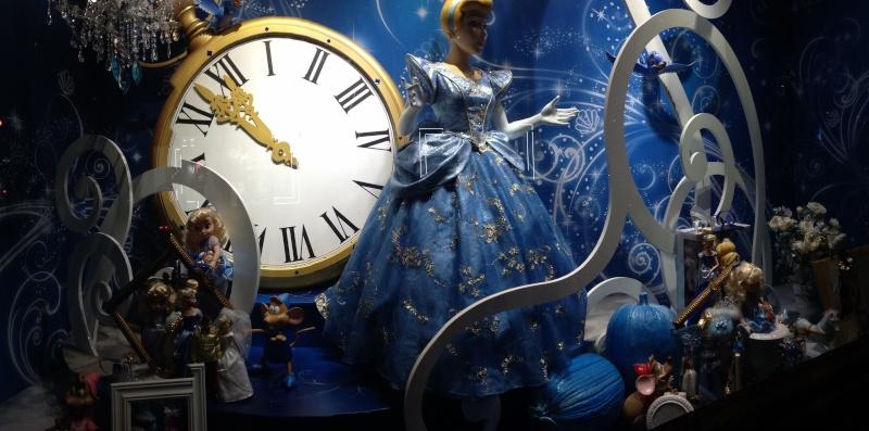 Disney pop up store aux galeries lafayette (du 5/11/2012 au 5/01/2013 ) - Page 5 Img_0918