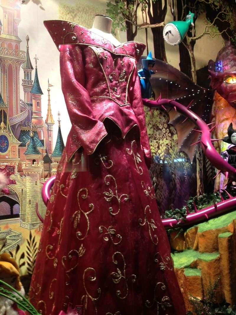 Disney pop up store aux galeries lafayette (du 5/11/2012 au 5/01/2013 ) - Page 5 Img_0926