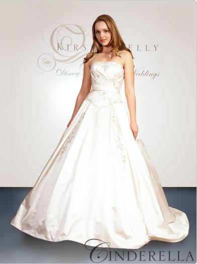 Disney se lance dans la robe de mariée - Page 3 Robe-d10