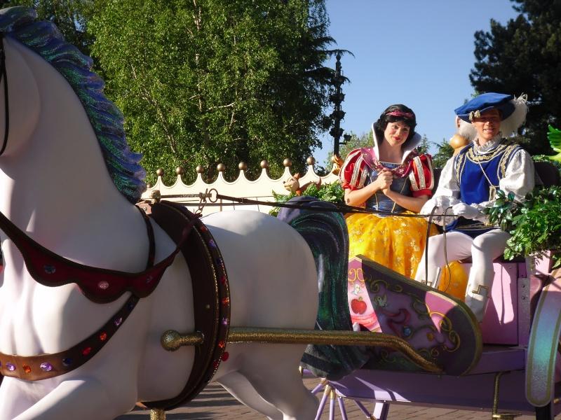 La Magie Disney en Parade ! (2012-2017) - Page 10 Sdc16013