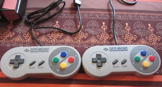 Manette Super Nintendo pour Wii Img_0516