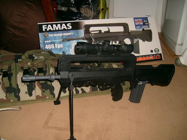 vend Famas S7300010