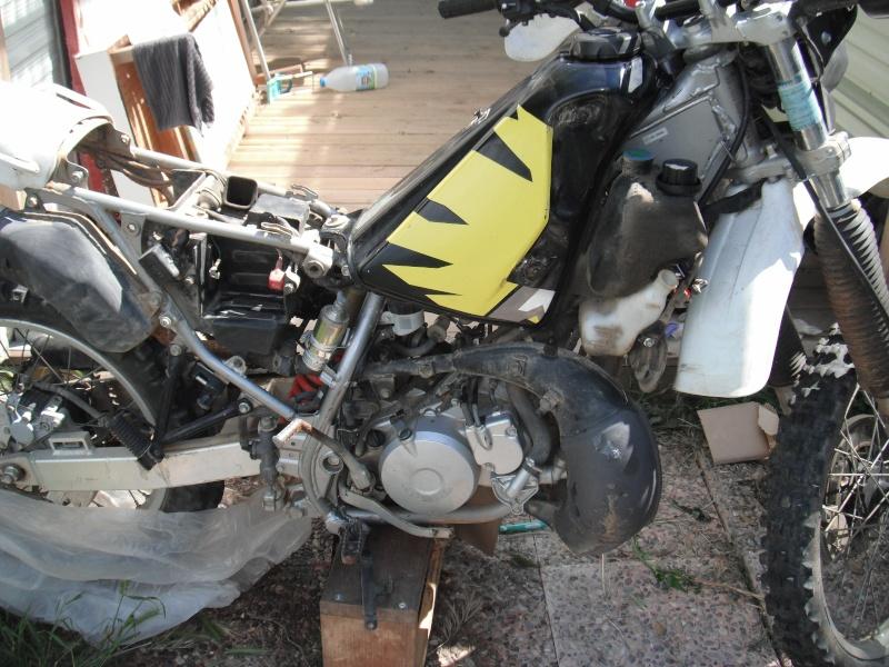 Ma passion nouvelle motorisé: CRM 125 Dscf1011
