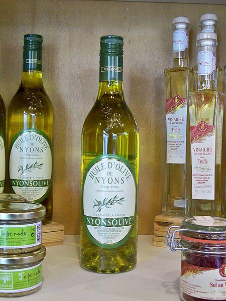 Voyage au pays des cigales, des olives, du bon vin et de la lavande 450px-10