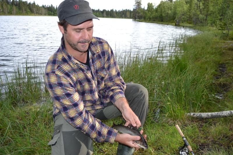 Retour  de pêche à Fjällvattnet Dsc_0317