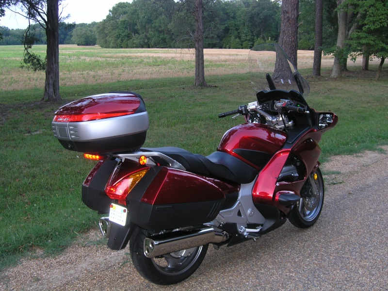 Pictures Honda ST1300 with Shad Motorcases P1010120