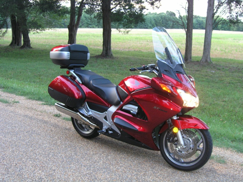 Pictures Honda ST1300 with Shad Motorcases P1010121