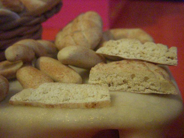 Pane sul tavolo Dscn4125