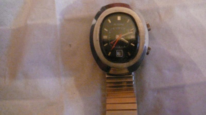 Jaeger -  [Le TOPIC des demandes d'IDENTIFICATION et RENSEIGNEMENTS de montres est ICI] - Page 39 P1040012
