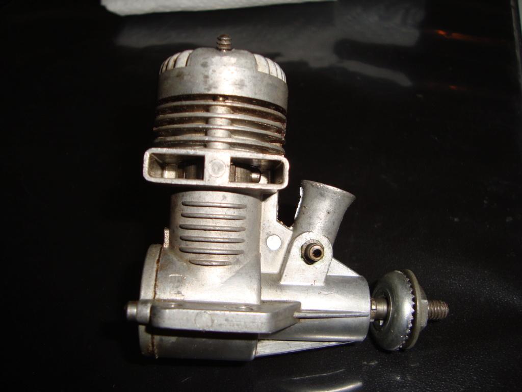 Fox .15 piston pin Dsc02110