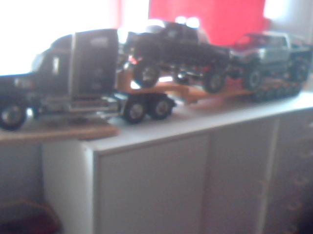 mon petit garage ;) ( désoler pour la qualitée des photos nes meilleurs vont suivre ) Garage21