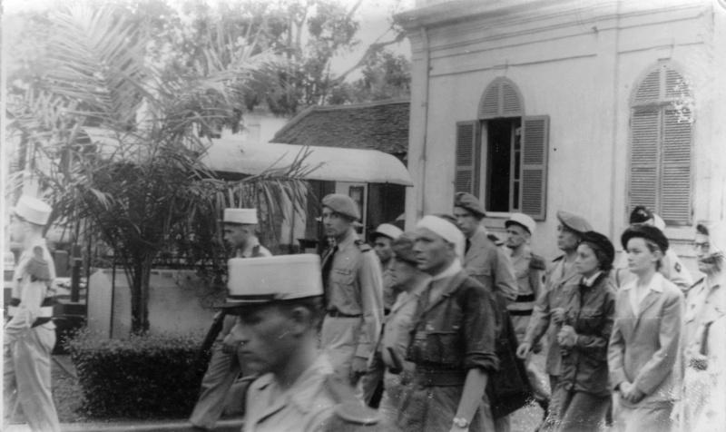 Obsèques en Indochine Enterr12