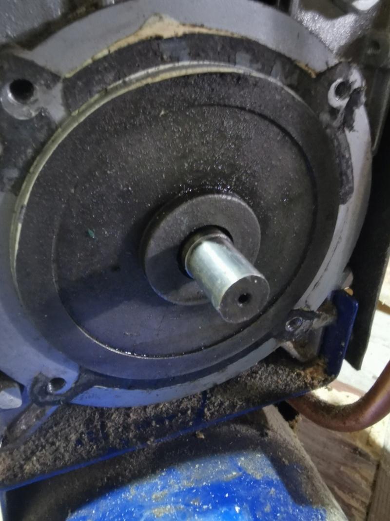 Aide pour utilisation moteur axe lisse Img_2011