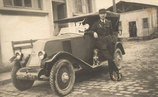 automobile en uniforme - Page 2 580_0010