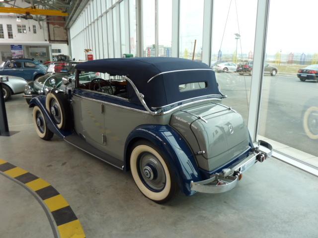 Les Mercedes des années 30/40 Kgrhqq11